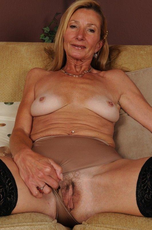 Nues mamies Mamie: Longue