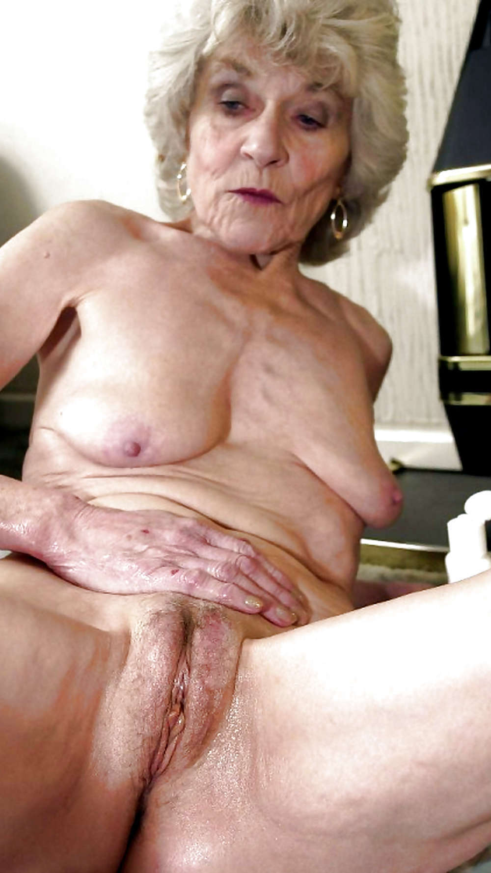 старые худышки порно